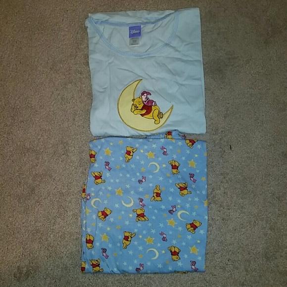 Women s Winnie the Pooh Pajama Set Size Large 3192a369b